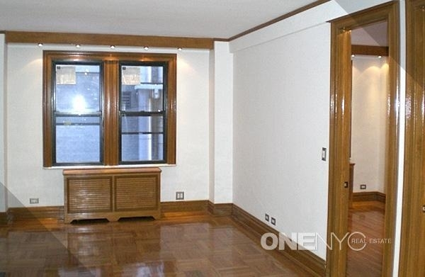 2 Bedrooms, Theater District Rental in NYC for $3,000 - Photo 1