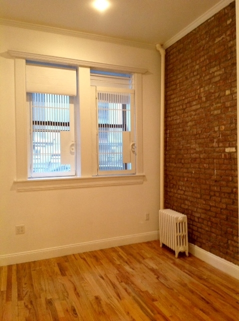 2 Bedrooms, Little Italy Rental in NYC for $4,000 - Photo 2