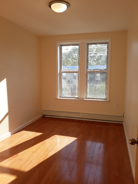 2 Bedrooms, Sheepshead Bay Rental in NYC for $1,700 - Photo 1