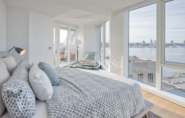 3 Bedrooms, Hell's Kitchen Rental in NYC for $8,949 - Photo 2