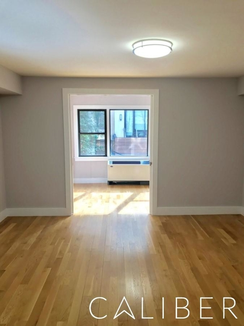 2 Bedrooms, Turtle Bay Rental in NYC for $4,650 - Photo 2