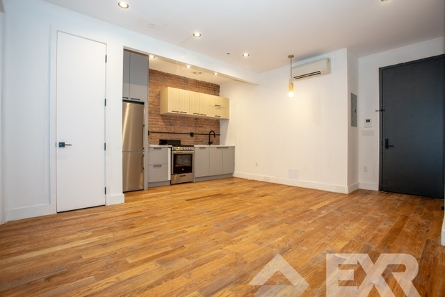 3 Bedrooms, Williamsburg Rental in NYC for $3,799 - Photo 2
