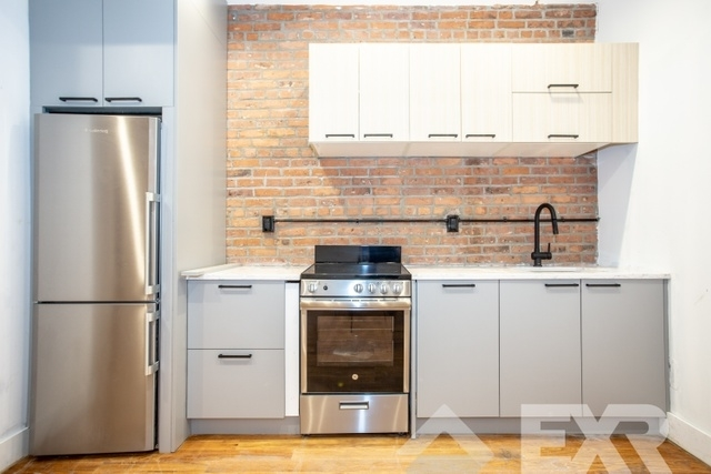 3 Bedrooms, Williamsburg Rental in NYC for $3,799 - Photo 1