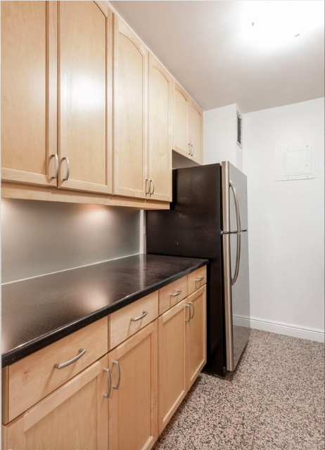 2 Bedrooms, Yorkville Rental in NYC for $5,895 - Photo 2