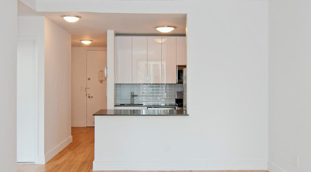 2 Bedrooms, Financial District Rental in NYC for $6,369 - Photo 2