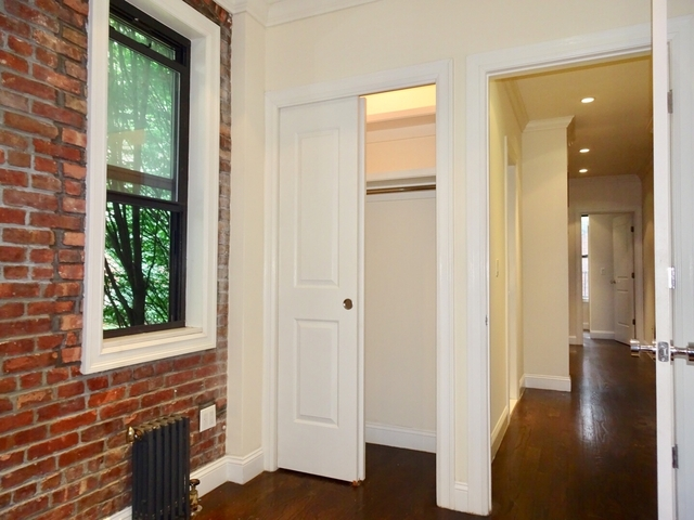 2 Bedrooms, Upper East Side Rental in NYC for $2,958 - Photo 2