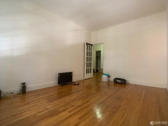 2 Bedrooms, Carnegie Hill Rental in NYC for $2,675 - Photo 2