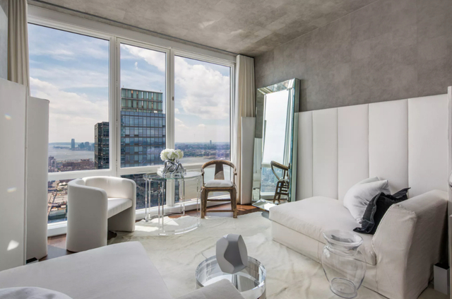2 Bedrooms, Hell's Kitchen Rental in NYC for $6,925 - Photo 1