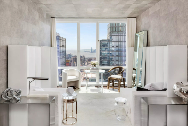 2 Bedrooms, Hell's Kitchen Rental in NYC for $6,925 - Photo 2