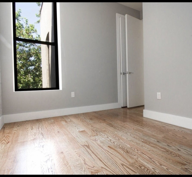 Room, Crown Heights Rental in NYC for $975 - Photo 2
