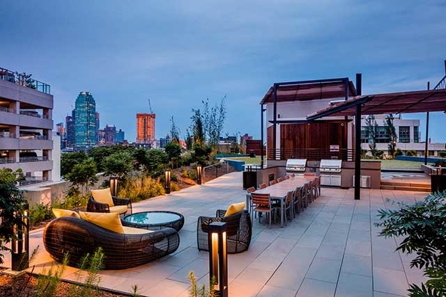 2 Bedrooms, Hunters Point Rental in NYC for $4,935 - Photo 2