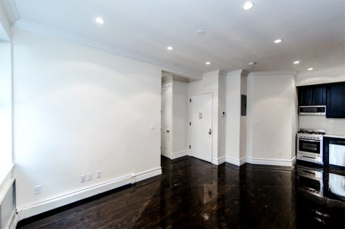 1 Bedroom, Chelsea Rental in NYC for $3,941 - Photo 2