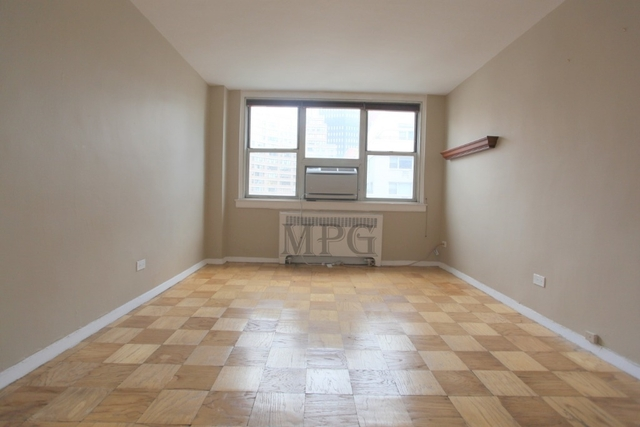 2 Bedrooms, Murray Hill Rental in NYC for $4,575 - Photo 2