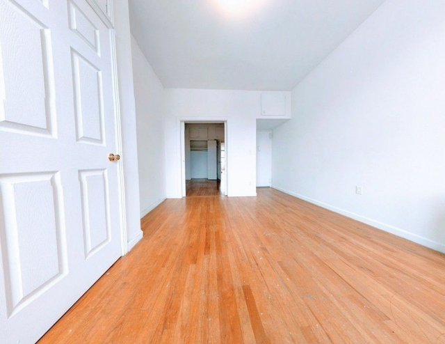 2 Bedrooms, East Village Rental in NYC for $2,950 - Photo 2