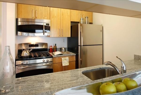 1 Bedroom, Hell's Kitchen Rental in NYC for $4,092 - Photo 1