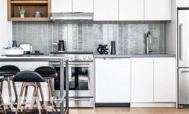 2 Bedrooms, Greenpoint Rental in NYC for $6,026 - Photo 2