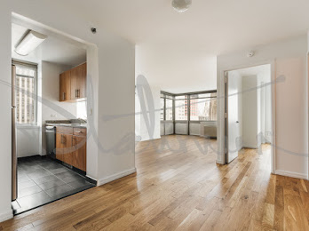3 Bedrooms, Financial District Rental in NYC for $8,490 - Photo 2