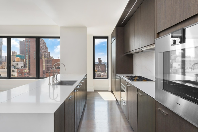 3 Bedrooms, Turtle Bay Rental in NYC for $14,000 - Photo 1