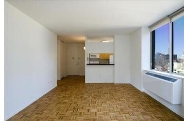 Studio, Hell's Kitchen Rental in NYC for $3,445 - Photo 2
