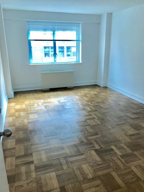 3 Bedrooms, Upper East Side Rental in NYC for $10,120 - Photo 2