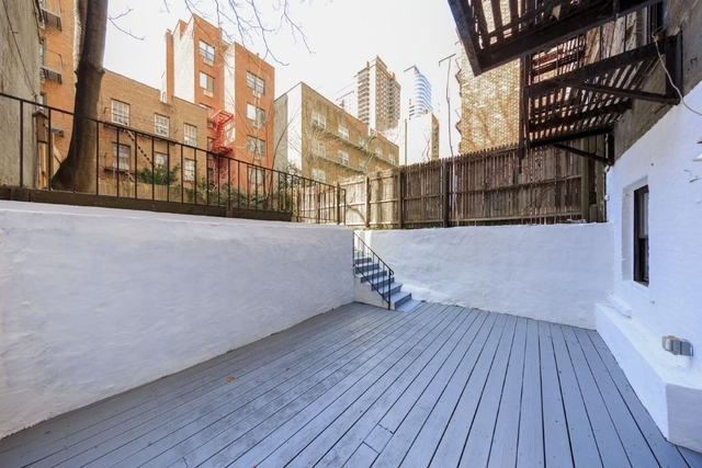 3 Bedrooms, Sutton Place Rental in NYC for $6,050 - Photo 1