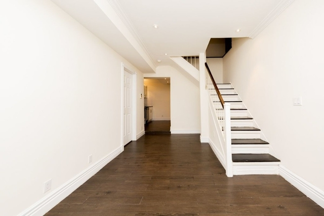 3 Bedrooms, Sutton Place Rental in NYC for $6,050 - Photo 2