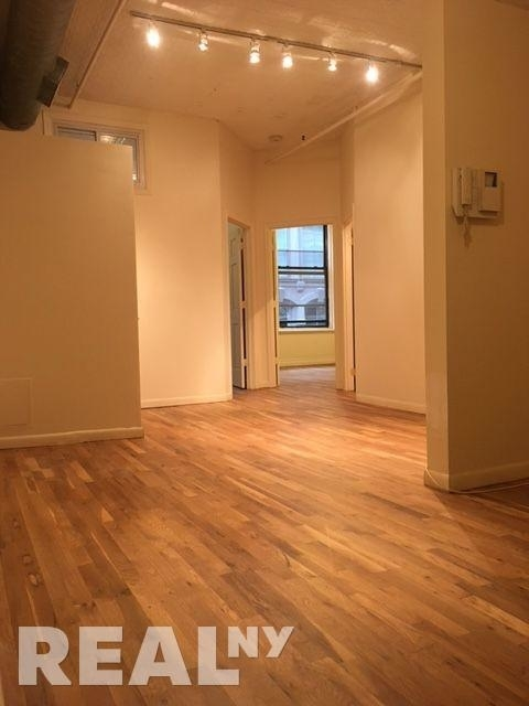 5 Bedrooms, Tribeca Rental in NYC for $8,200 - Photo 1