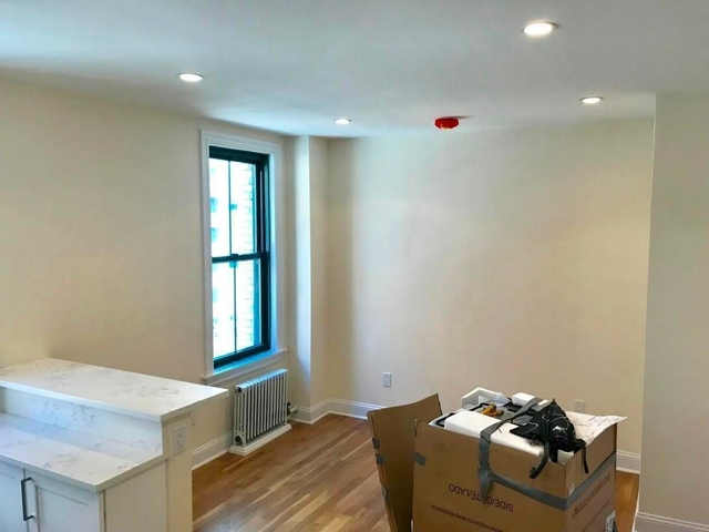 2 Bedrooms, Upper East Side Rental in NYC for $2,775 - Photo 2