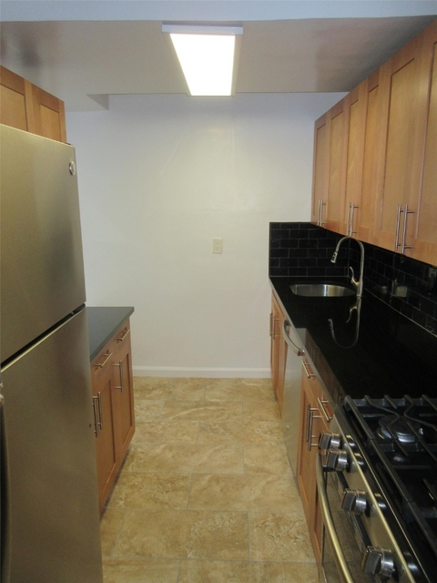 2 Bedrooms, Upper East Side Rental in NYC for $4,995 - Photo 2