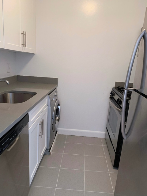 1 Bedroom, Upper West Side Rental in NYC for $4,135 - Photo 2
