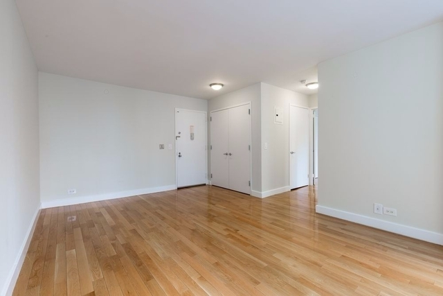 1 Bedroom, Theater District Rental in NYC for $3,300 - Photo 2