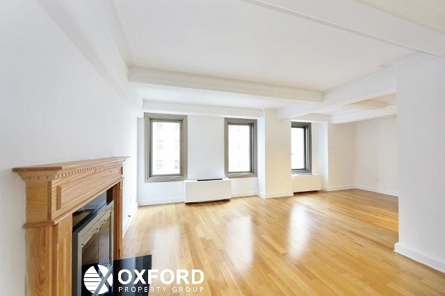 2 Bedrooms, Theater District Rental in NYC for $5,690 - Photo 2
