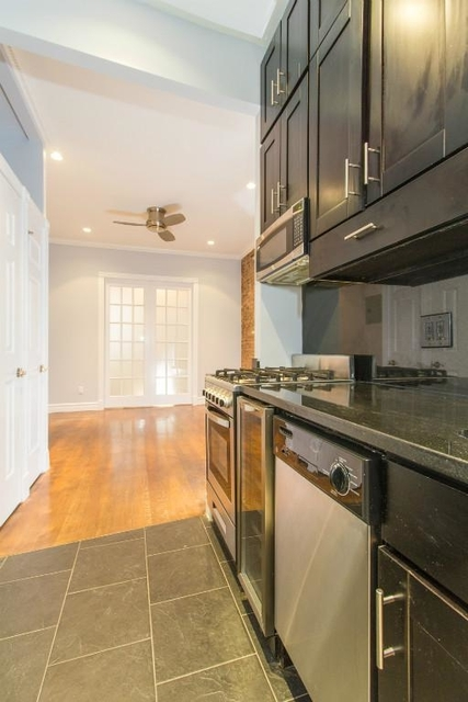 2 Bedrooms, Rose Hill Rental in NYC for $3,990 - Photo 2