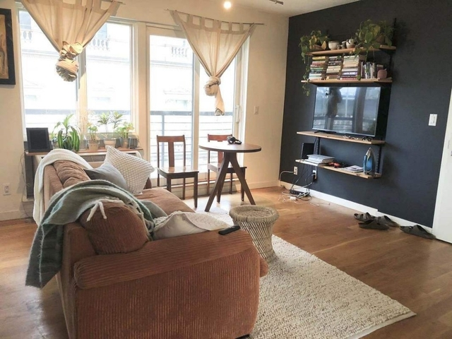 2 Bedrooms, Williamsburg Rental in NYC for $3,500 - Photo 2