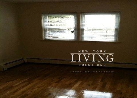 3 Bedrooms, Richmond Hill Rental in NYC for $2,350 - Photo 2