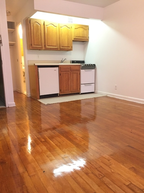 Studio, East Village Rental in NYC for $1,979 - Photo 2