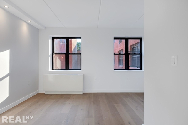 1 Bedroom, Two Bridges Rental in NYC for $5,770 - Photo 2
