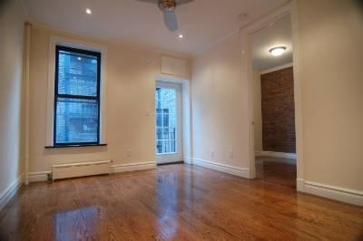 3 Bedrooms, Gramercy Park Rental in NYC for $5,700 - Photo 2