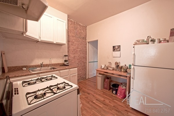 2 Bedrooms, Central Slope Rental in NYC for $3,300 - Photo 2