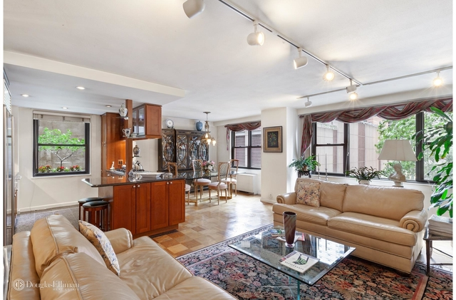 2 Bedrooms, Tudor City Rental in NYC for $4,895 - Photo 1