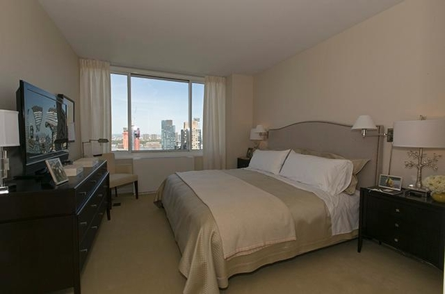 1 Bedroom, Lincoln Square Rental in NYC for $5,270 - Photo 2