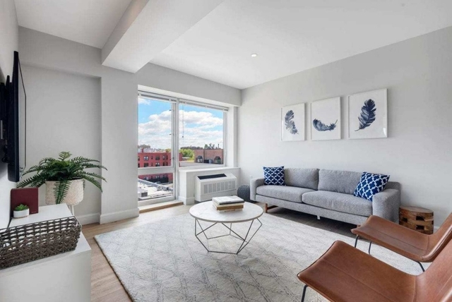 Studio, Astoria Rental in NYC for $2,080 - Photo 2