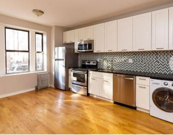 4 Bedrooms, Kensington Rental in NYC for $3,250 - Photo 1