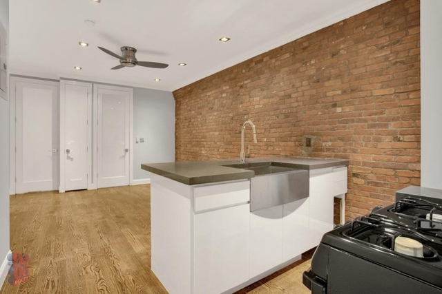 4 Bedrooms, Hell's Kitchen Rental in NYC for $3,525 - Photo 1
