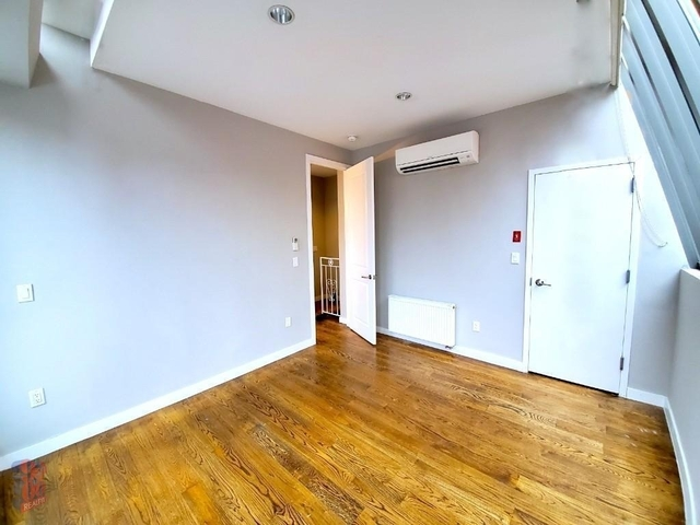 3 Bedrooms, West Village Rental in NYC for $12,250 - Photo 2