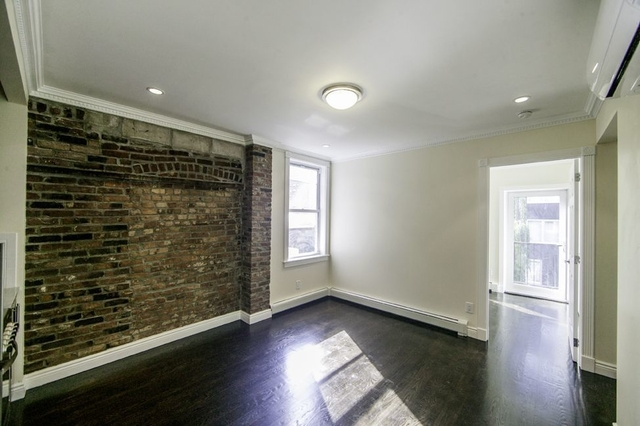 3 Bedrooms, Chelsea Rental in NYC for $5,815 - Photo 1