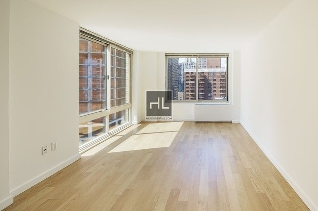 Studio, Theater District Rental in NYC for $3,138 - Photo 2