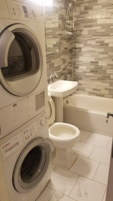 3 Bedrooms, Yorkville Rental in NYC for $5,195 - Photo 1