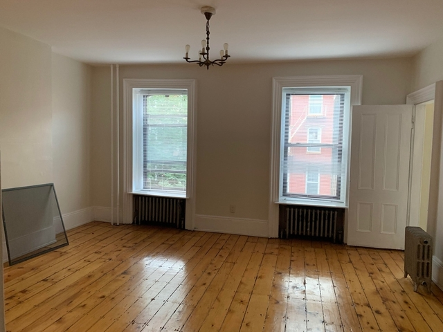 3 Bedrooms, Greenpoint Rental in NYC for $2,600 - Photo 1