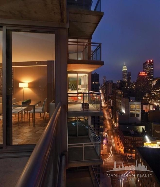 3 Bedrooms, Hell's Kitchen Rental in NYC for $5,700 - Photo 2